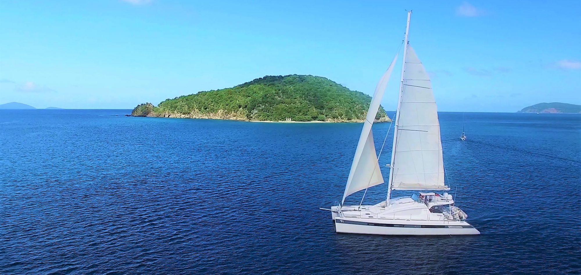 LUAR - under sail